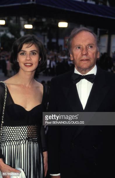 lrene Jacob et JeanLouis Trintignant a la presentation du film Trois couleurs Rouge au Festival du Film le 16 mai 1994 a Cannes France