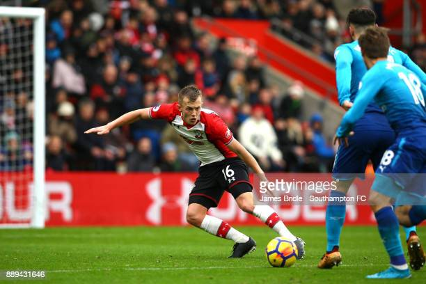 LtoR James WardProwse takes on Sead Kolasinac Nacho Monreal of Arsenal during the Premier League match between Southampton and Arsenal at St Mary's...