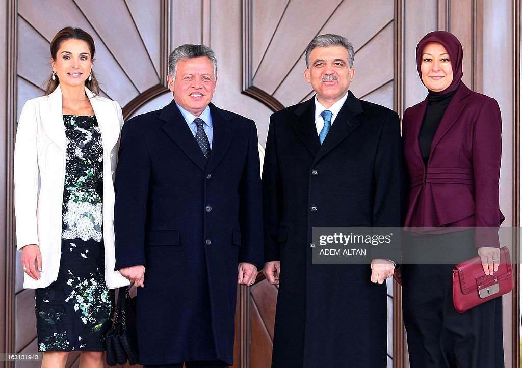 LtoR, Jordan's Queen Rania, her husband, Jordan's King Abdullah, Turkey's President Abdullah Gul and his wife, Hayrunnisa Gul pose, on March 5, 2013 at the presidential palace in Ankara during a ceremony at the arrival of Jordan's king for an official visit in Turkey. AFP PHOTO/ADEM ALTAN