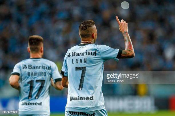 Luan of Gremio celebrates their second goal during the match Gremio v Deportes Iquique as part of Copa Bridgestone Libertadores 2017 at Arena do...
