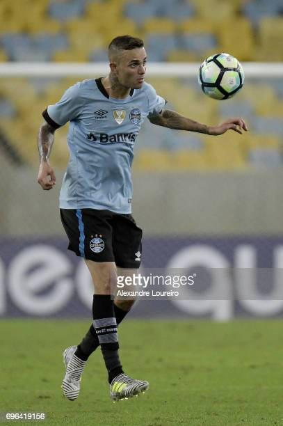 Luanof Gremio in action during the match between Fluminense and Gremio as part of Brasileirao Series A 2017 at Maracana Stadium on June 15 2017 in...