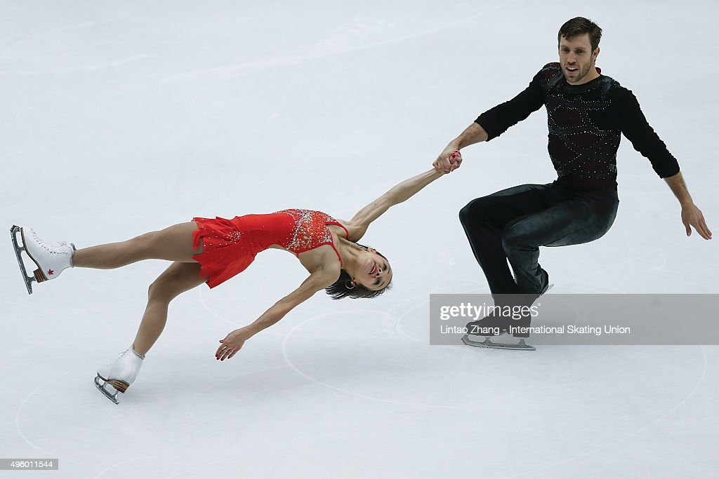 Lubov Iliushechkina and <a gi-track='captionPersonalityLinkClicked' href=/galleries/search?phrase=Dylan+Moscovitch&family=editorial&specificpeople=7301055 ng-click='$event.stopPropagation()'>Dylan Moscovitch</a> of Canada perform during the Pairs Short Program on day one of Audi Cup of China ISU Grand Prix of Figure Skating 2015 at Beijing Capital Gymnasium on November 6, 2015 in Beijing, China.