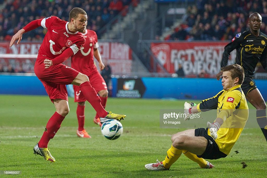 Luc Castaignos of FC Twente, goalkeeper Filip Kurto of Roda JC Kerkrade during the Dutch Eredivisie match between FC Twente and Roda JC at the Grolsch stadium on April 6, 2013 in Enschede, The Netherlands