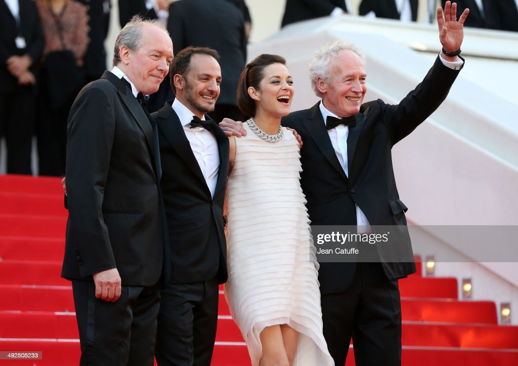 <a gi-track='captionPersonalityLinkClicked' href=/galleries/search?phrase=Luc+Dardenne&family=editorial&specificpeople=215507 ng-click='$event.stopPropagation()'>Luc Dardenne</a>, <a gi-track='captionPersonalityLinkClicked' href=/galleries/search?phrase=Fabrizio+Rongione&family=editorial&specificpeople=5349599 ng-click='$event.stopPropagation()'>Fabrizio Rongione</a>, <a gi-track='captionPersonalityLinkClicked' href=/galleries/search?phrase=Marion+Cotillard&family=editorial&specificpeople=215303 ng-click='$event.stopPropagation()'>Marion Cotillard</a>, <a gi-track='captionPersonalityLinkClicked' href=/galleries/search?phrase=Jean-Pierre+Dardenne&family=editorial&specificpeople=606914 ng-click='$event.stopPropagation()'>Jean-Pierre Dardenne</a> attend 'Deux Jours, Une Nuit' premiere during the 67th Annual Cannes Film Festival on May 20, 2014 in Cannes, France.
