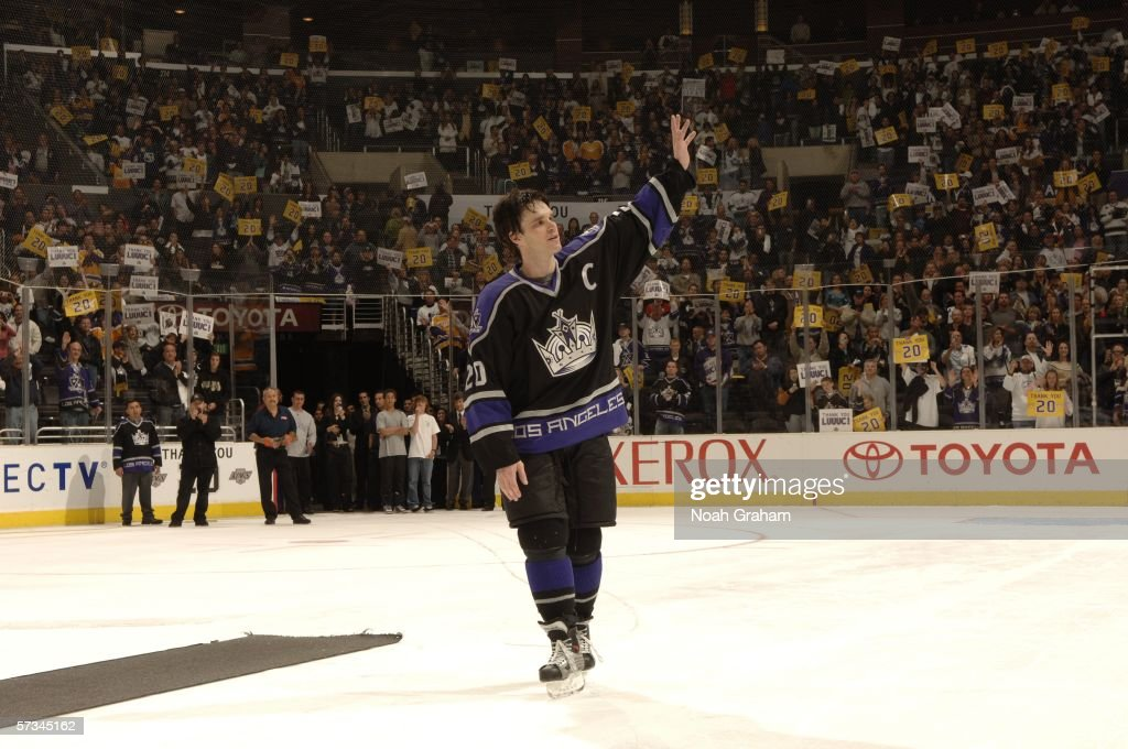 Luc Robitaille of the Los Angeles Kings waves to the crowd after his final home game as a Los Angeles King after the win against the Calgary Flames...