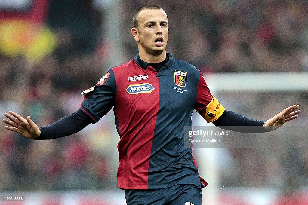 <a gi-track='captionPersonalityLinkClicked' href=/galleries/search?phrase=Luca+Antonelli&family=editorial&specificpeople=5358809 ng-click='$event.stopPropagation()'>Luca Antonelli</a> of Genoa CFC gestures during the Serie A match between Genoa CFC and AS Roma at Stadio Luigi Ferraris on December 14, 2014 in Genoa, Italy.