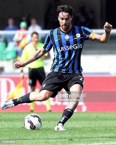 Luca Cigarini of Atalanta BC during the Serie A match between AC Chievo Verona and Atalanta BC at Stadio Marc'Antonio Bentegodi on May 24 2015 in...
