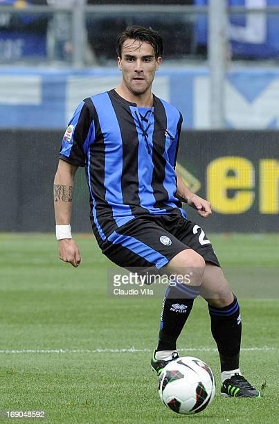 Luca Cigarini of Atalanta BC in action during the Serie A match between Atalanta BC and AC Chievo Verona at Stadio Atleti Azzurri d'Italia on May 19...