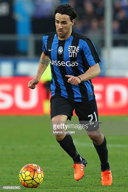 Luca Cigarini of Atalanta BC in action during the Serie A match between Atalanta BC and Torino FC at Stadio Atleti Azzurri d'Italia on November 22...