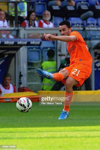 Luca Cigarini of Atalanta BC is pulling the ball during the Serie A match between UC Sampdoria and Atalanta BC at Stadio Luigi Ferraris on October 5...