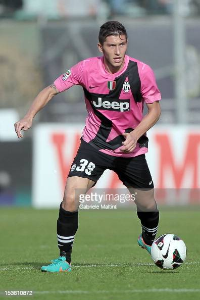 Luca Marrone of Juventus FC in action during the Serie A match between AC Siena and FC Juventus at Stadio Artemio Franchi on October 7 2012 in Siena...