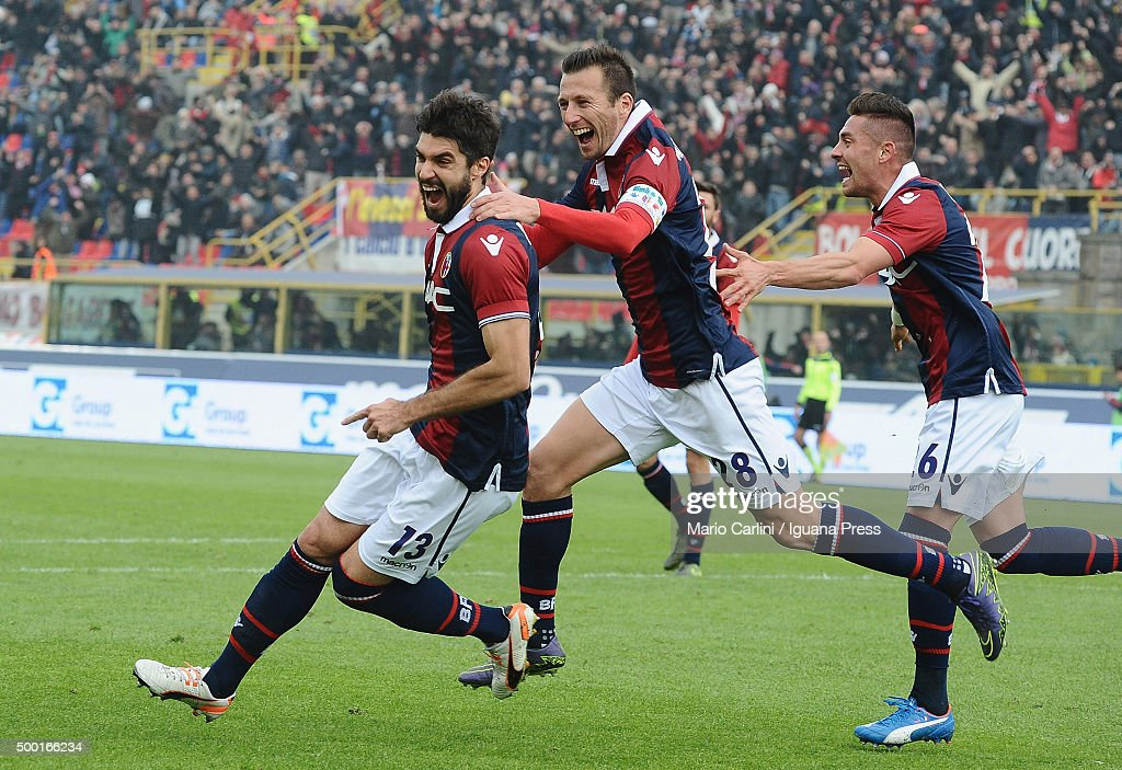 Luca Rossettini of Bologna FC celebrates after scoring his team's second goal during the Serie A match between Bologna FC and SSC Napoli at Stadio...