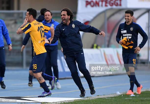 Luca Siligardi of Hella Verona celebrates the goal of the victory during the Serie A match between Hellas Verona FC and AC Milan at Stadio...