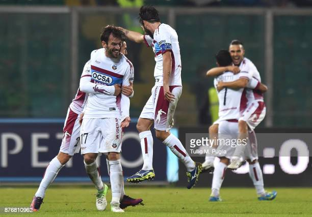 Luca Strizzolo of Cittadella celebrates after scoring his team's second goal during the Serie B match between US Citta' di Palermo and Cittadella at...