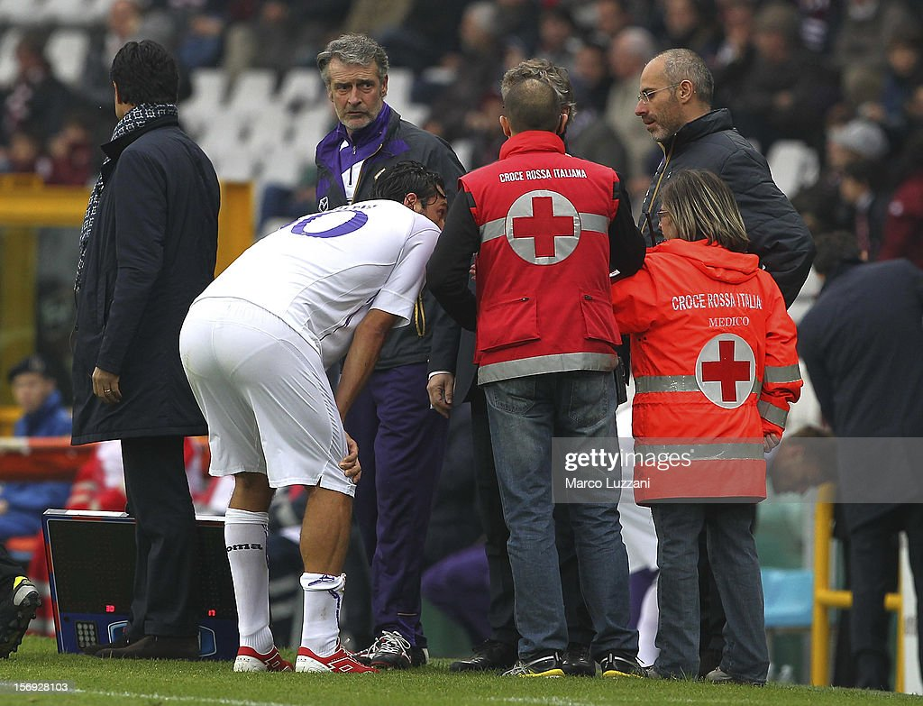 Luca Toni of ACF Fiorentina off the pitch injured during the Serie A match between Torino FC and ACF Fiorentina at Stadio Olimpico di Torino on November 25, 2012 in Turin, Italy.