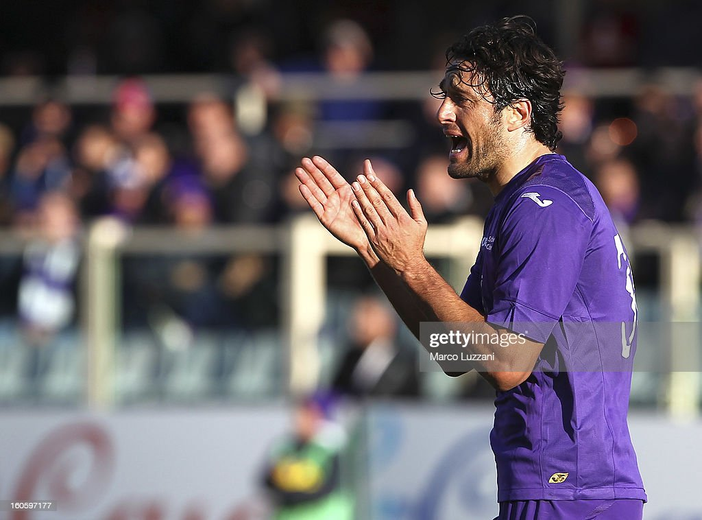 <a gi-track='captionPersonalityLinkClicked' href=/galleries/search?phrase=Luca+Toni&family=editorial&specificpeople=453307 ng-click='$event.stopPropagation()'>Luca Toni</a> of ACF Fiorentina shouts during the Serie A match between ACF Fiorentina and Parma FC at Stadio Artemio Franchi on February 3, 2013 in Florence, Italy.