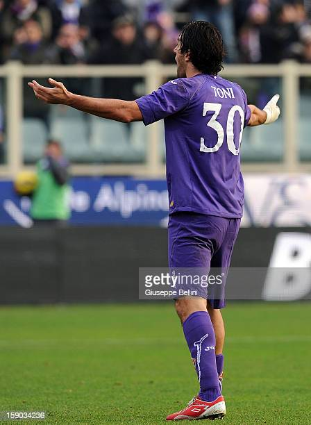 Luca Toni of Fiorentina gestures during the Serie A match between ACF Fiorentina and Pescara at Stadio Artemio Franchi on January 6 2013 in Florence...