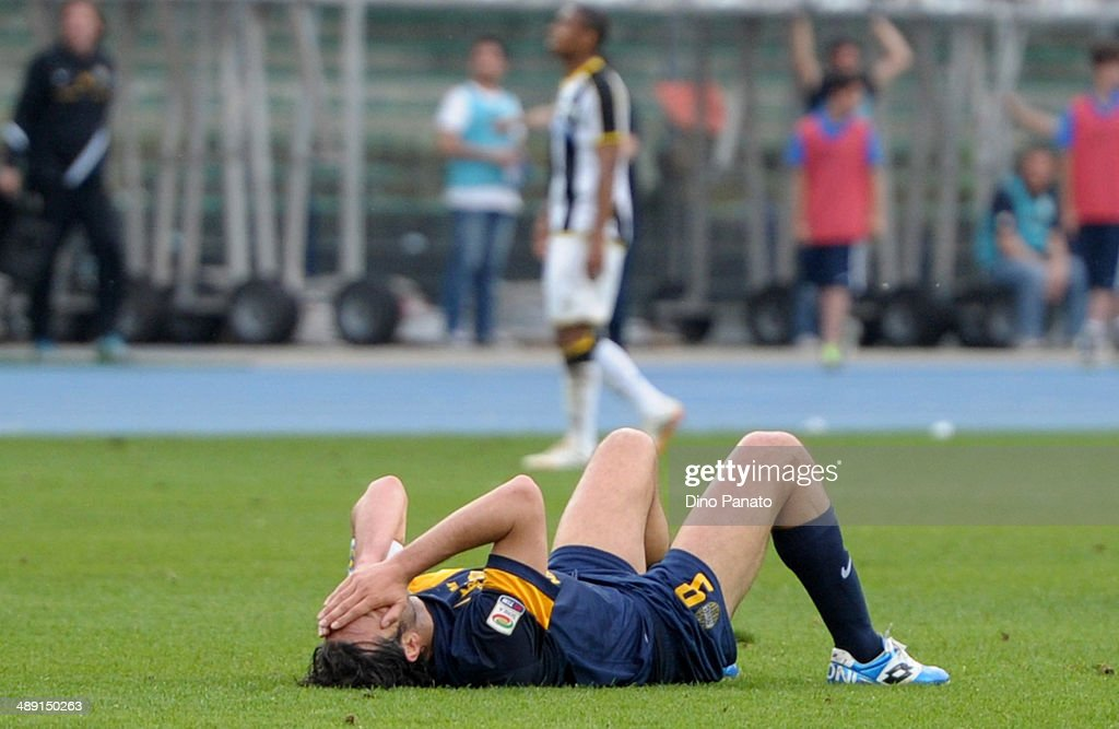 <a gi-track='captionPersonalityLinkClicked' href=/galleries/search?phrase=Luca+Toni&family=editorial&specificpeople=453307 ng-click='$event.stopPropagation()'>Luca Toni</a> of Hellas Verona appears dejected after the Serie A match between Hellas Verona FC and Udinese Calcio at Stadio Marc'Antonio Bentegodi on May 10, 2014 in Verona, Italy.