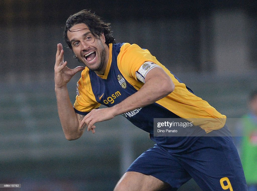Luca Toni of Hellas Verona celebrates after scoring his team's second goal during the Serie A match between Hellas Verona FC and SSC Napoli at Stadio Marc'Antonio Bentegodi on March 15, 2015 in Verona, Italy.