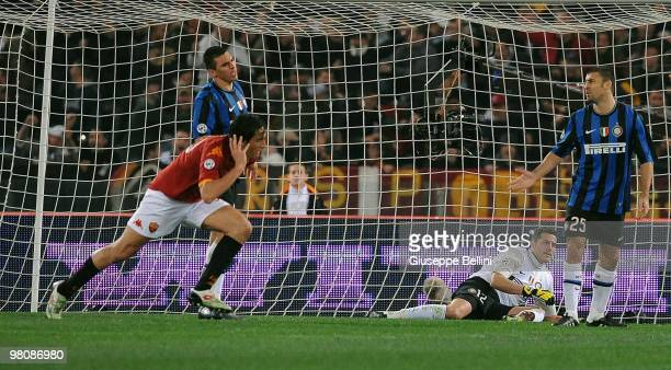 Luca Toni of Roma celebrates after scoring the winning goal during the Serie A match between AS Roma and FC Internazionale Milano at Stadio Olimpico...