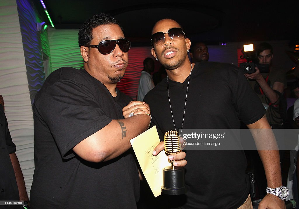 Lucacris (R) and a <a gi-track='captionPersonalityLinkClicked' href=/galleries/search?phrase=Ludacris&family=editorial&specificpeople=203034 ng-click='$event.stopPropagation()'>Ludacris</a> Passed the Mic to the Magnum Live Large Project winner and <a gi-track='captionPersonalityLinkClicked' href=/galleries/search?phrase=Ludacris&family=editorial&specificpeople=203034 ng-click='$event.stopPropagation()'>Ludacris</a> attend Magnum Condoms & <a gi-track='captionPersonalityLinkClicked' href=/galleries/search?phrase=Ludacris&family=editorial&specificpeople=203034 ng-click='$event.stopPropagation()'>Ludacris</a> Wrap Up The Magnum Live Large Project 2 In Miami at Cameo nightclub on May 28, 2011 in Miami Beach, Florida.