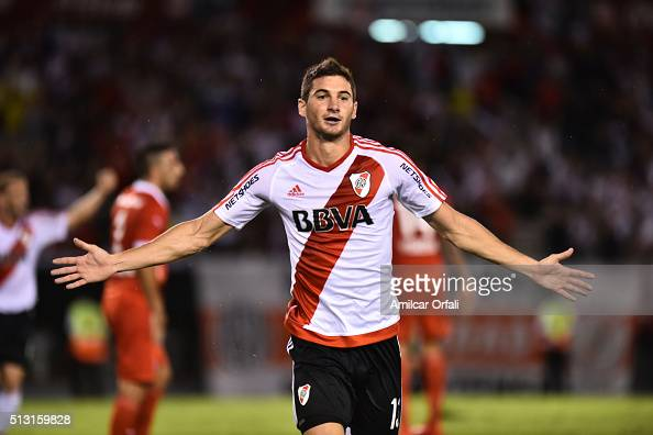 Lucas Alario of River Plate celebrates after scoring the first goal of his team during a match between River Plate and Independiente as part of fifth...
