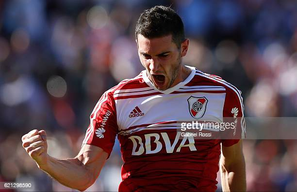 Lucas Alario of River Plate celebrates after scoring the first goal of his team during a match between River Plate and Estudiantes as part of Torneo...