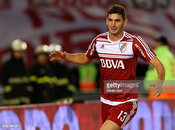 Lucas Alario of River Plate celebrates after scoring the tying goal during a match between River Plate and Banfield as part of 8th round of Torneo...