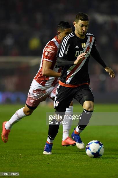 Lucas Alario of River Plate drives the ball during a match between River Plate and Instituto as part of round 16 of Copa Argentina 2017 at Jose Maria...