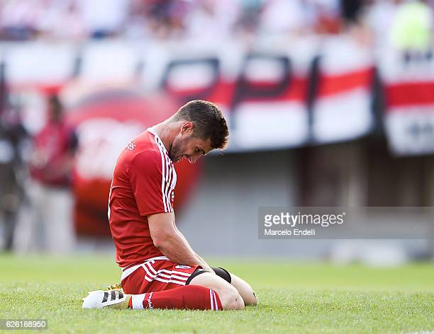 Lucas Alario of River Plate laments after missing a goal during a match between River Plate and Huracan as part of Torneo Primera Division 2016/17 at...