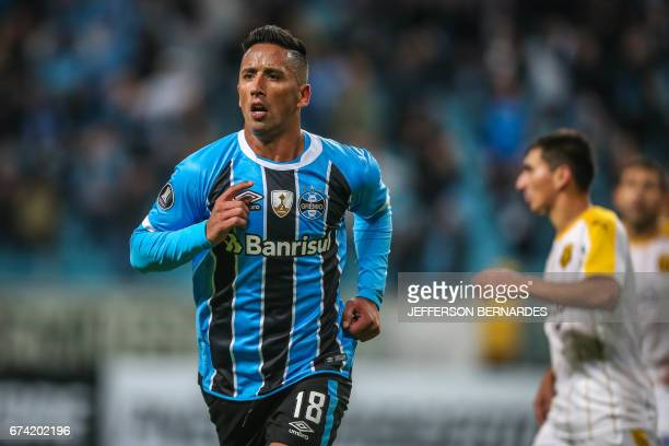 Lucas Barrios of Gremio celebrates after scoring against Paraguay's Guarani during their Copa Libertadores 2017 football match held at the Arena do...