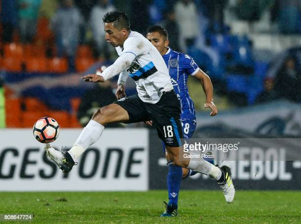 Lucas Barrios of Gremio controls the ball during a first leg match between Godoy Cruz and Gremio as part of round of 16 of Copa CONMEBOL Libertadores...