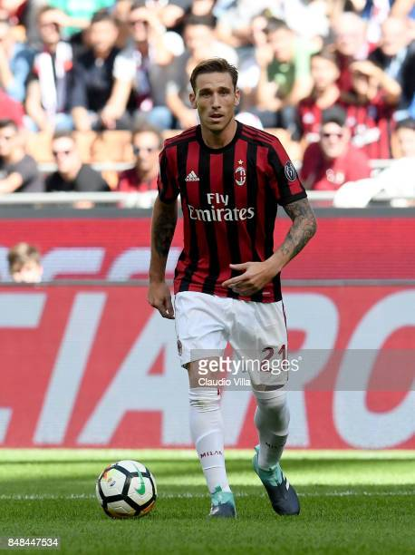 Lucas Biglia of AC Milan in action during the Serie A match between AC Milan and Udinese Calcio at Stadio Giuseppe Meazza on September 17 2017 in...