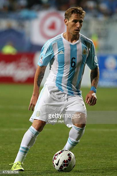 Lucas Biglia of Argentina drives the ball during the 2015 Copa America Chile Group B match between Argentina and Jamaica at Sausalito Stadium on June...