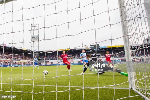 Lucas Bijker of sc Heerenveen Wouter Marinus of PEC Zwolle goalkeeper Erwin Mulder of sc Heerenveen Yuki Kobayashi of sc Heerenveen goal Queensy...