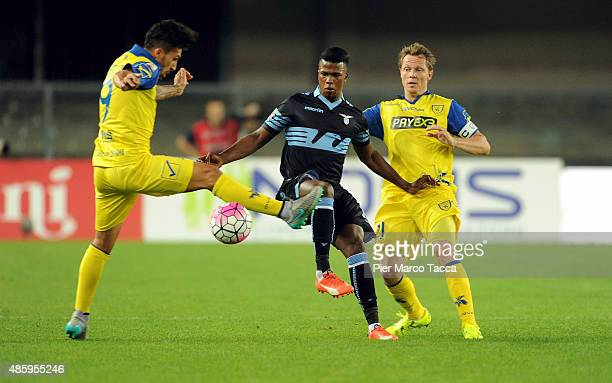 Lucas Castro of AC Chievo competes for the ball Diao Blade Keita of SS Lazio during the Serie A match between AC Chievo Verona and SS Lazio at Stadio...