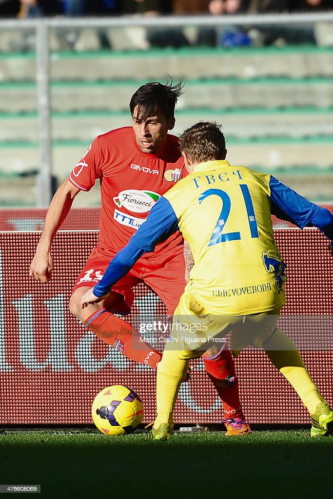 Lucas Castro of Calcio catania in action during the Serie A match between AC Chievo Verona and Calcio Catania at Stadio Marc'Antonio Bentegodi on...