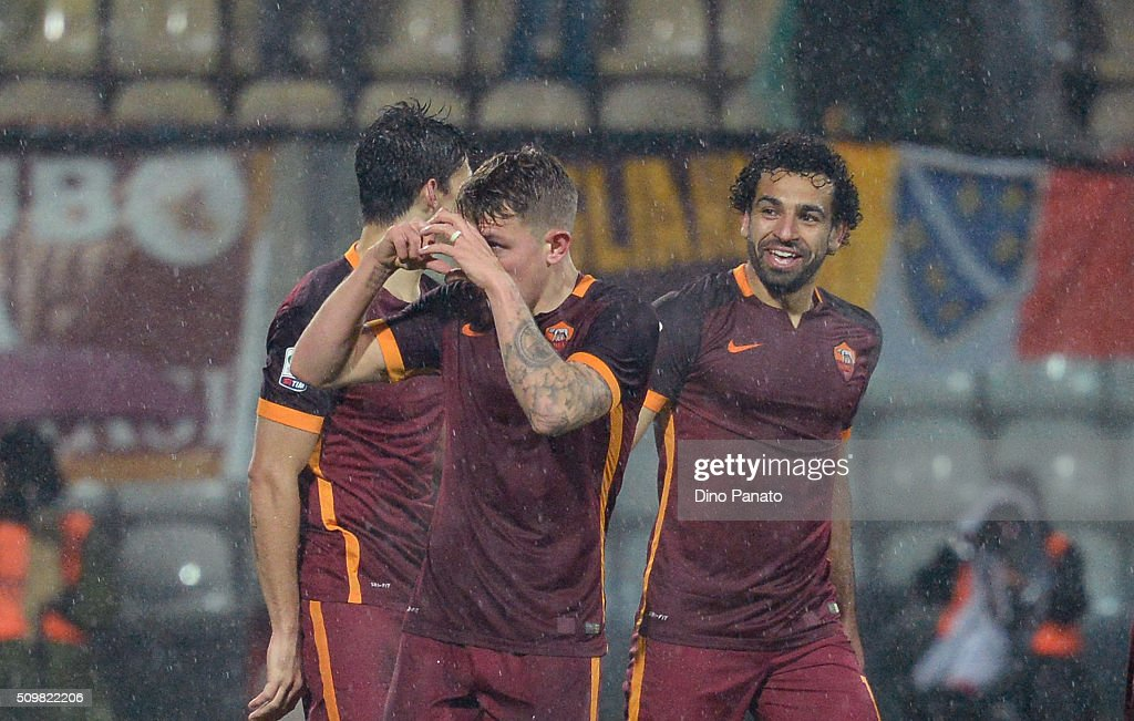 <a gi-track='captionPersonalityLinkClicked' href=/galleries/search?phrase=Lucas+Digne&family=editorial&specificpeople=5805298 ng-click='$event.stopPropagation()'>Lucas Digne</a> of AS Roma celebrates after scoring his opening goal during the Serie A match between Carpi FC and AS Roma at Alberto Braglia Stadium on February 12, 2016 in Modena, Italy.
