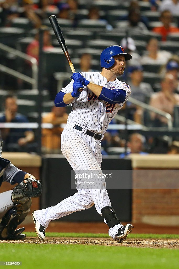 Lucas Duda of the New York Mets hits his second solo home run of the game in the sixth inning against the San Diego Padres at Citi Field on July 29...