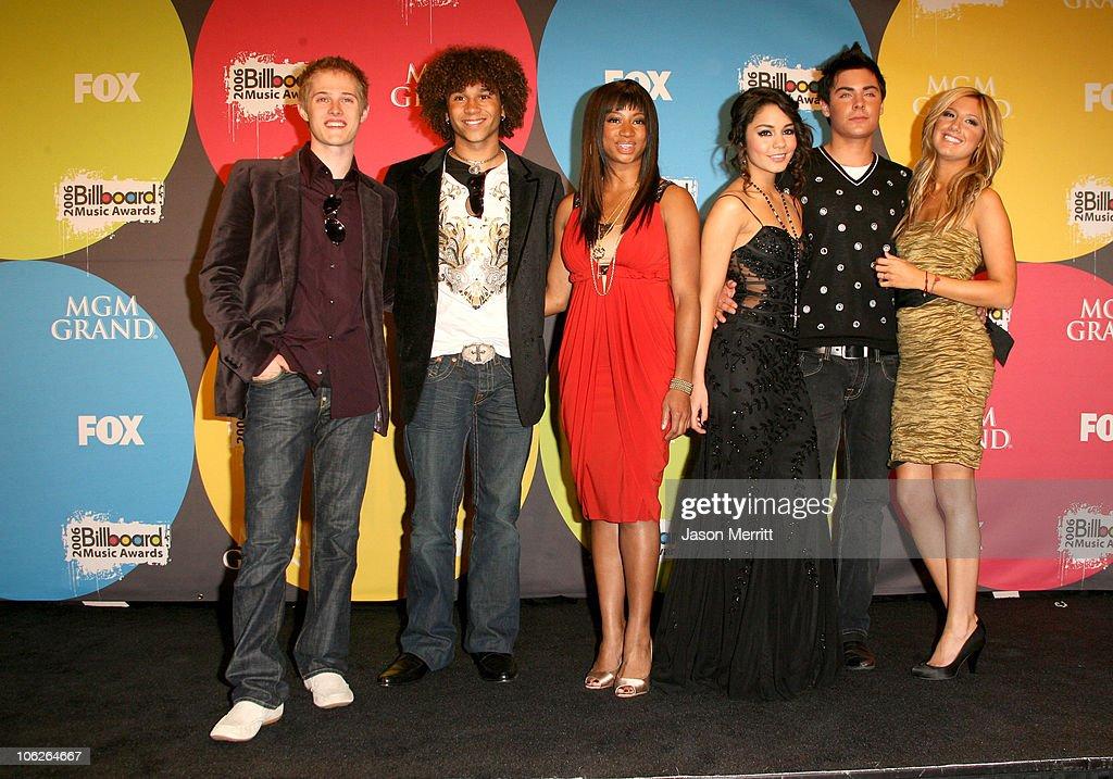 Lucas Grabeel Corbin Bleu Monique Coleman Vanessa Hudgens Zac Efron and Ashley Tisdale of 'High School Musical' winners Soundtrack Album