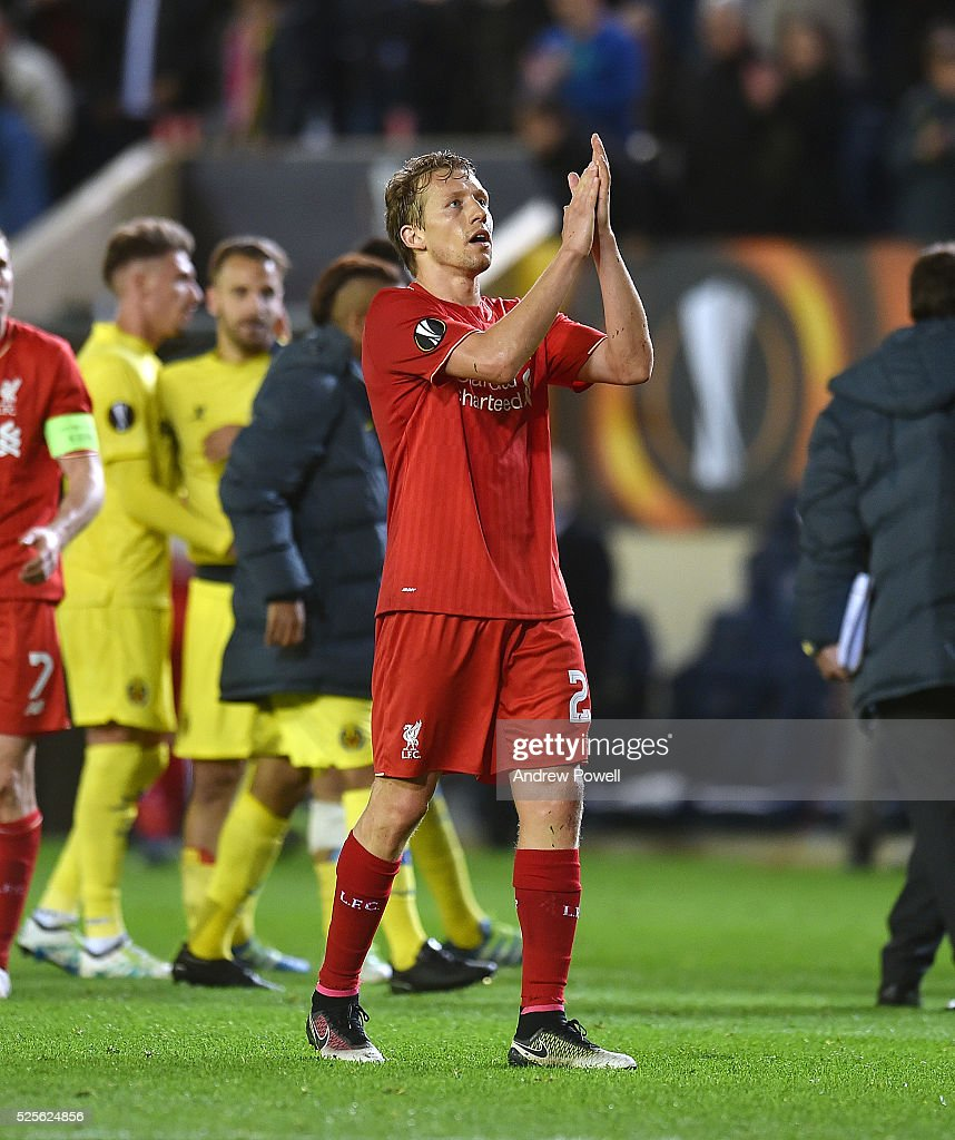 Lucas Leiva of Liverpool shows his appreciation to the fans at the end of the UEFA Europa League Semi Final: First Leg match between Villarreal CF and Liverpool on April 28, 2016 in Villarreal, Spain.