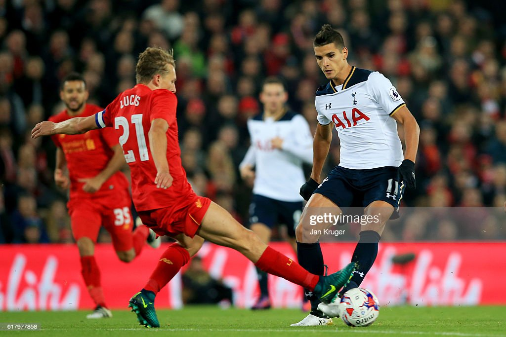 Liverpool v Tottenham Hotspur - EFL Cup Fourth Round : News Photo