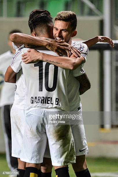 Lucas Lima of Santos celebrates a scored goal against Atletico MG during a match between Atletico MG and Santos as part of Brasileirao Series A 2015...