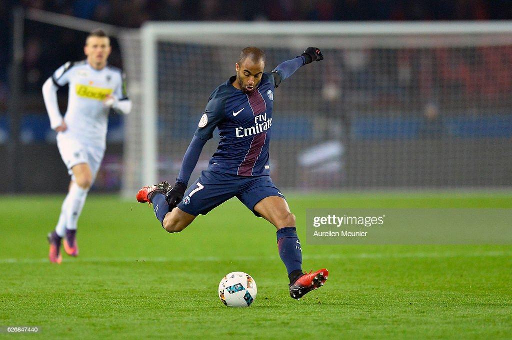 Lucas Moura of Paris Saint-Germain kicks the ball during the Ligue 1 match between Paris Saint-Germain and Angers SCO at Parc des Princes on November 30, 2016 in Paris, France.