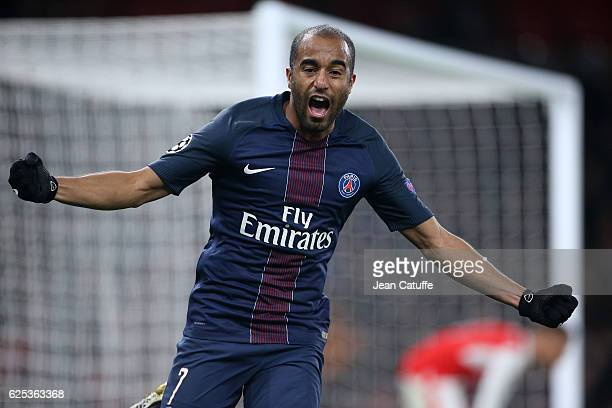 Lucas Moura of PSG celebrates his goal during the UEFA Champions League match between Arsenal FC and Paris SaintGermain at Emirates Stadium on...