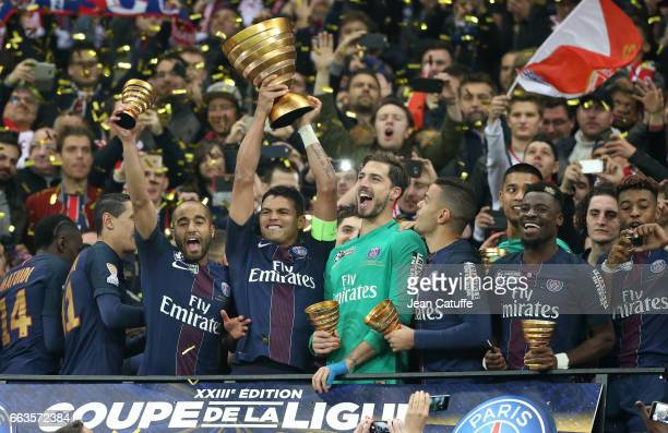 Lucas Moura Thiago Silva Kevin Trapp Hatem Ben Arfa Serge Aurier of PSG celebrate the victory following the French League Cup final between Paris...