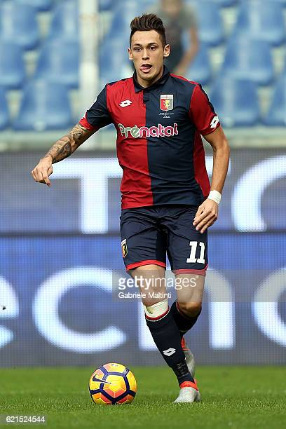 Lucas Ocampos of Genoa CFC in action during the Serie A match between Genoa CFC and Udinese Calcio at Stadio Luigi Ferraris on November 6 2016 in...