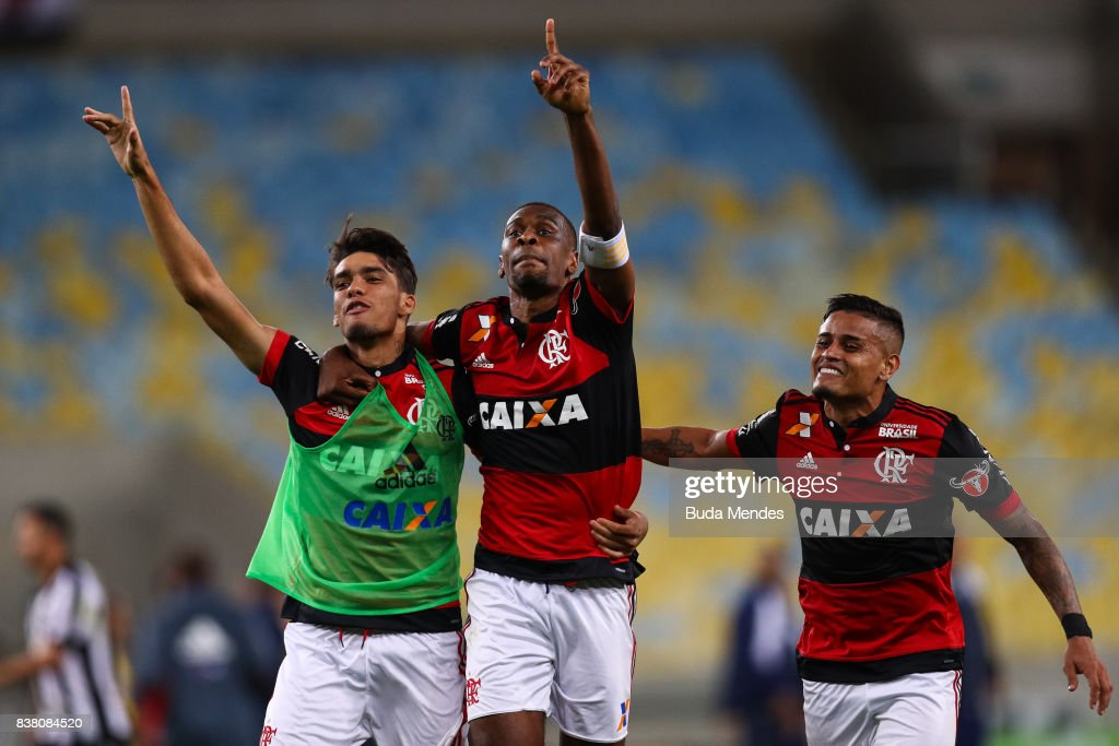 Lucas Paquetá, Juan and Everton of Flamengo celebrate the victory after a match between Flamengo and Botafogo part of Copa do Brasil Semi-Finals 2017 at Maracana Stadium on August 23, 2017 in Rio de Janeiro, Brazil.