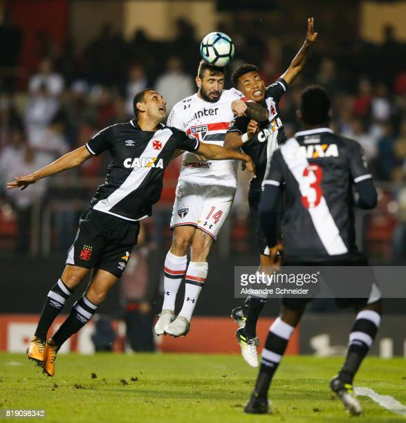 Lucas Pratto of Sao Paulo in action during the match between Sao Paulo and Vasco for the Brasileirao Series A 2017 at Morumbi Stadium on July 19 2017...