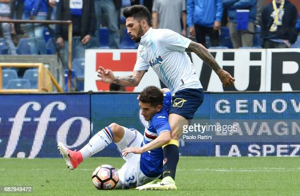 Lucas Torreira is challenged by Lucas Castro during the Serie A match between UC Sampdoria and AC ChievoVerona at Stadio Luigi Ferraris on May 14...